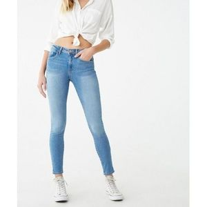 Forever 21 Push Up Jean Size 27
